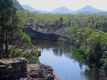 Canoe down the river gorge in the Wollemi National Park, Dunns Swamp